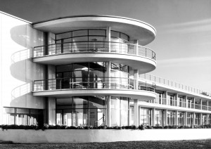 Mendelsohn_De-La-Warr-Pavillon